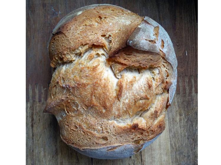 Hogaza pan de pueblo de trigo