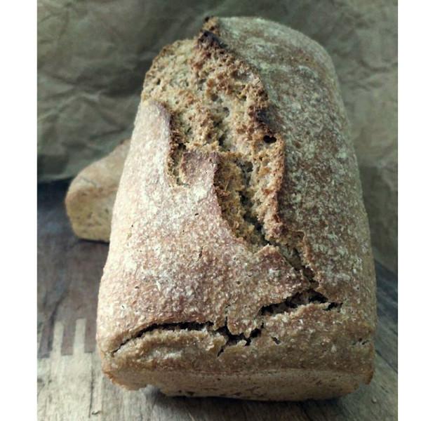 Pan integral trigo. / Pura Vida Horno de leña